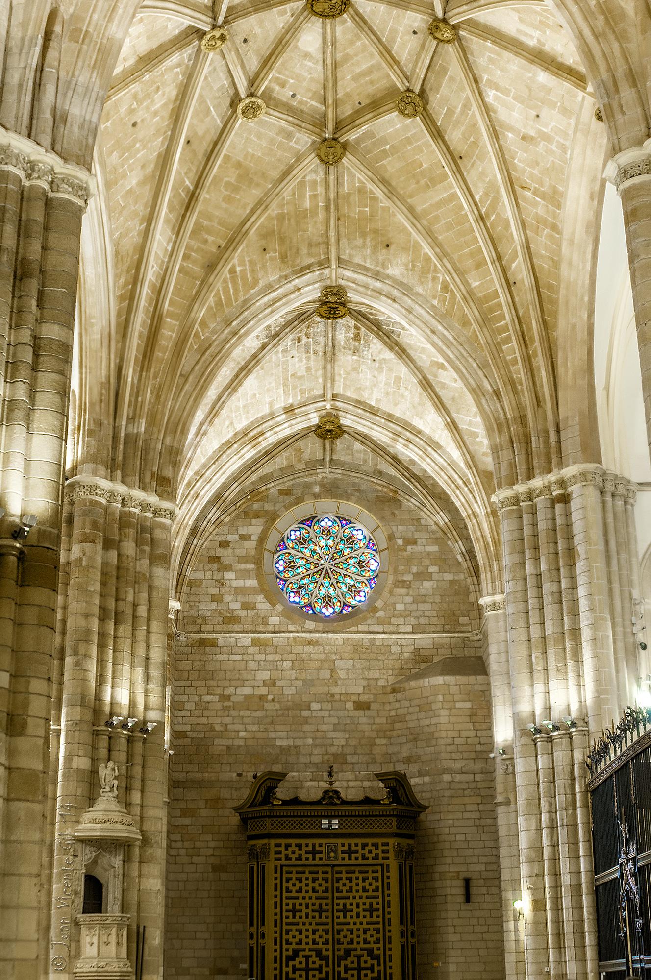 Catedral de murcia interior puerta de los apostoles - Puertas de interior en murcia ...