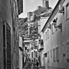 Una calle de Alhama de Murcia por Emilio