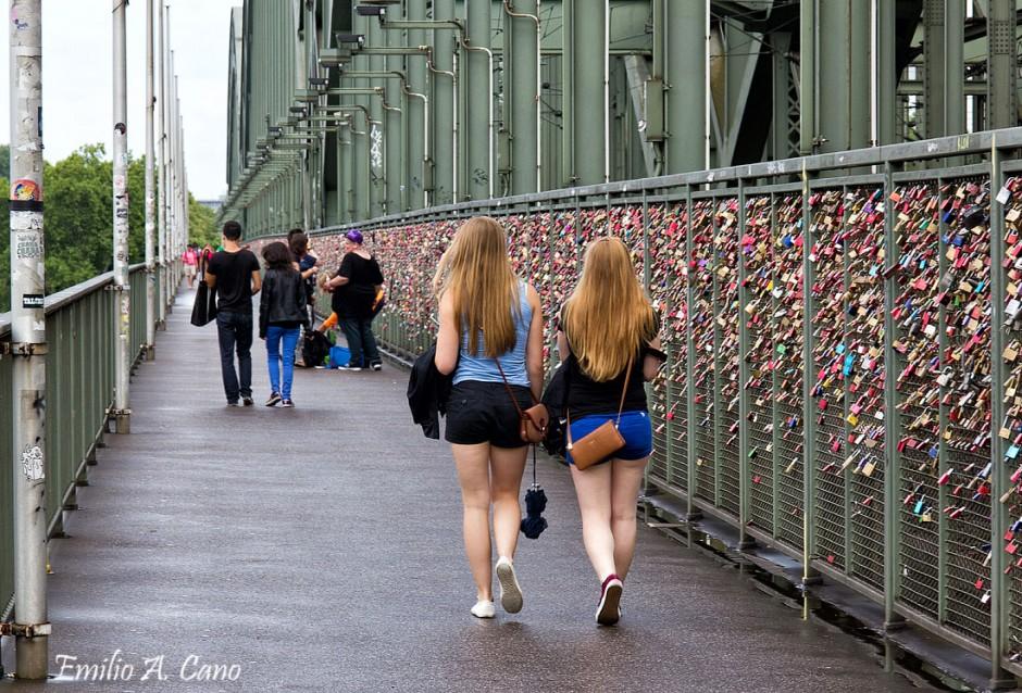 Teutonas por el Puente de Hohenzollern por Emilio