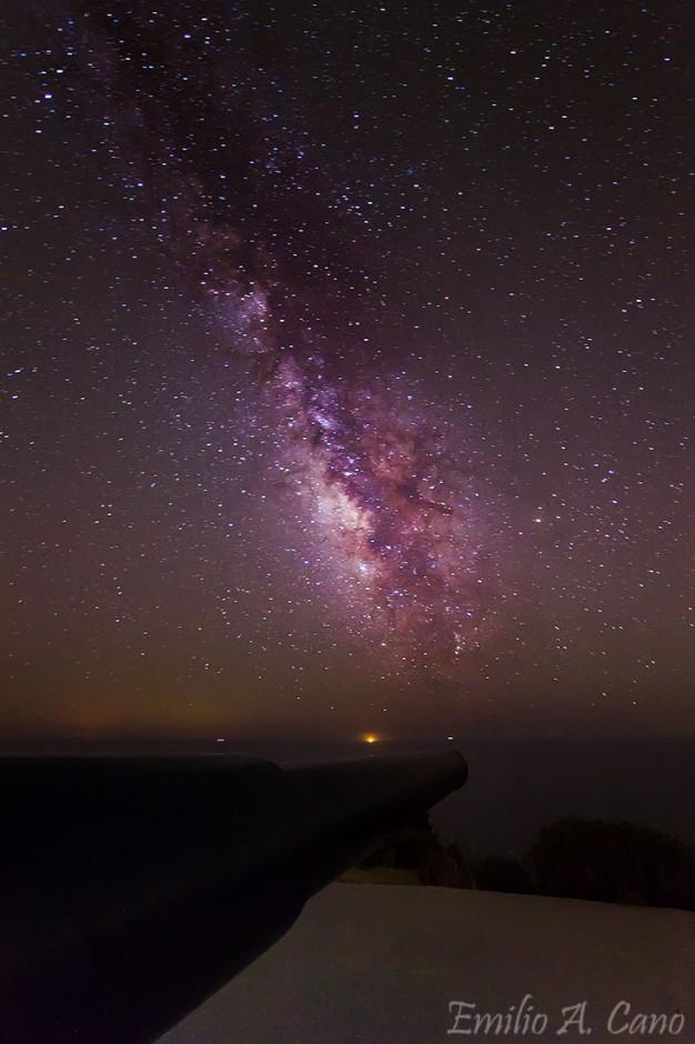 La Vía Láctea y el cañón por Emilio